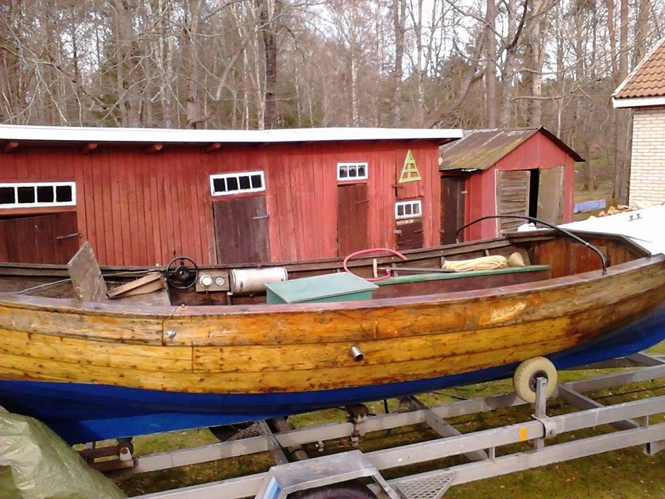 Min Vänersnipa med en motor byggd i Kristinehamn och båten är byggd på Värmlandsnäs.