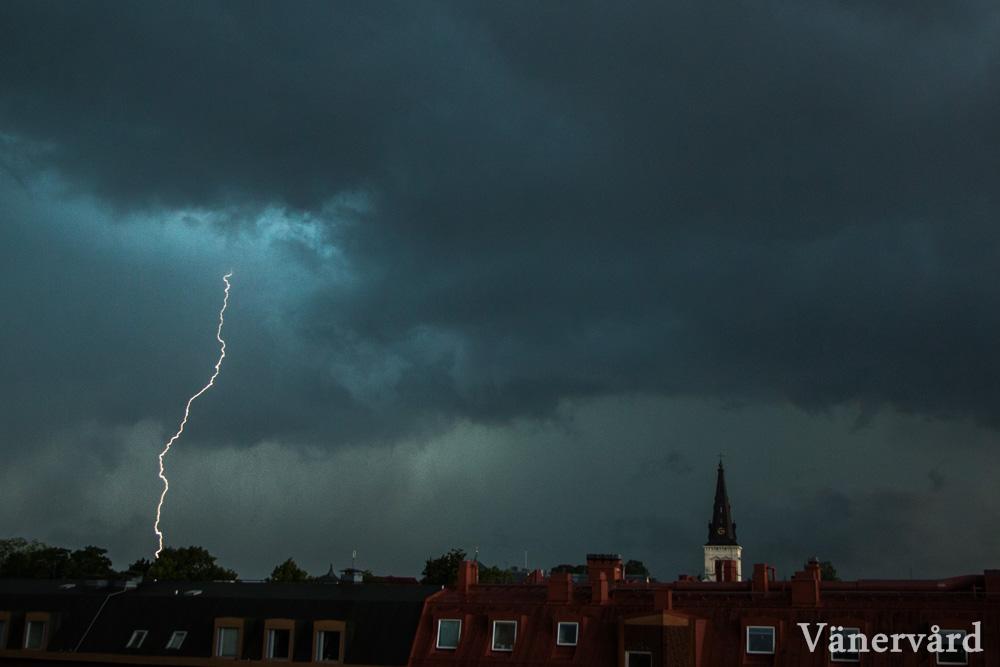 Blixtrade oerhört intensivt den 3.e augusti när åskcellen drog in från Vänern