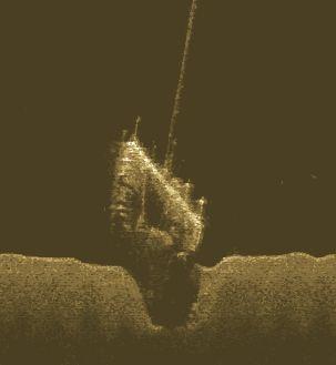 Kartering av farliga föremål på botten. Här ett vrak i norra Vänerskärgården där masten sticker upp till några meter under ytan.
