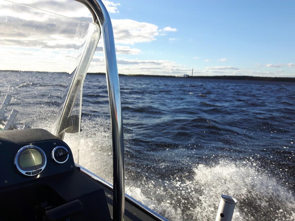 Friska vindar på Hammarösjön.